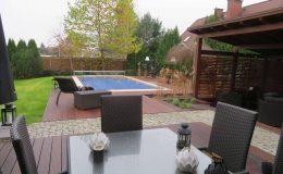 Ogród z basenem Konstancin (3)