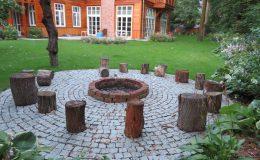 Ogród ze świdermajerem (11)