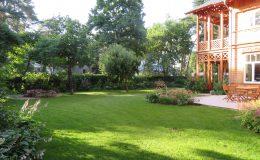Ogród ze świdermajerem (29)