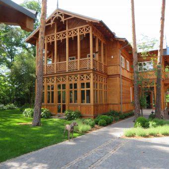 Ogród rodzinny z domem świdermajer – Józefów